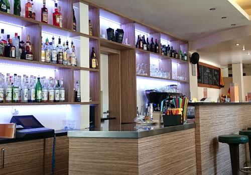 Einrichtung Möbel Bar in Dietenhofen